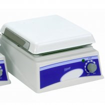 Magnetic Stirrer 19x19cm with chemical resistant top plate and simple speed adjustment